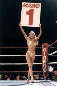 Boxing round 1 card girl