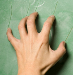 Fingernails on chalkboard